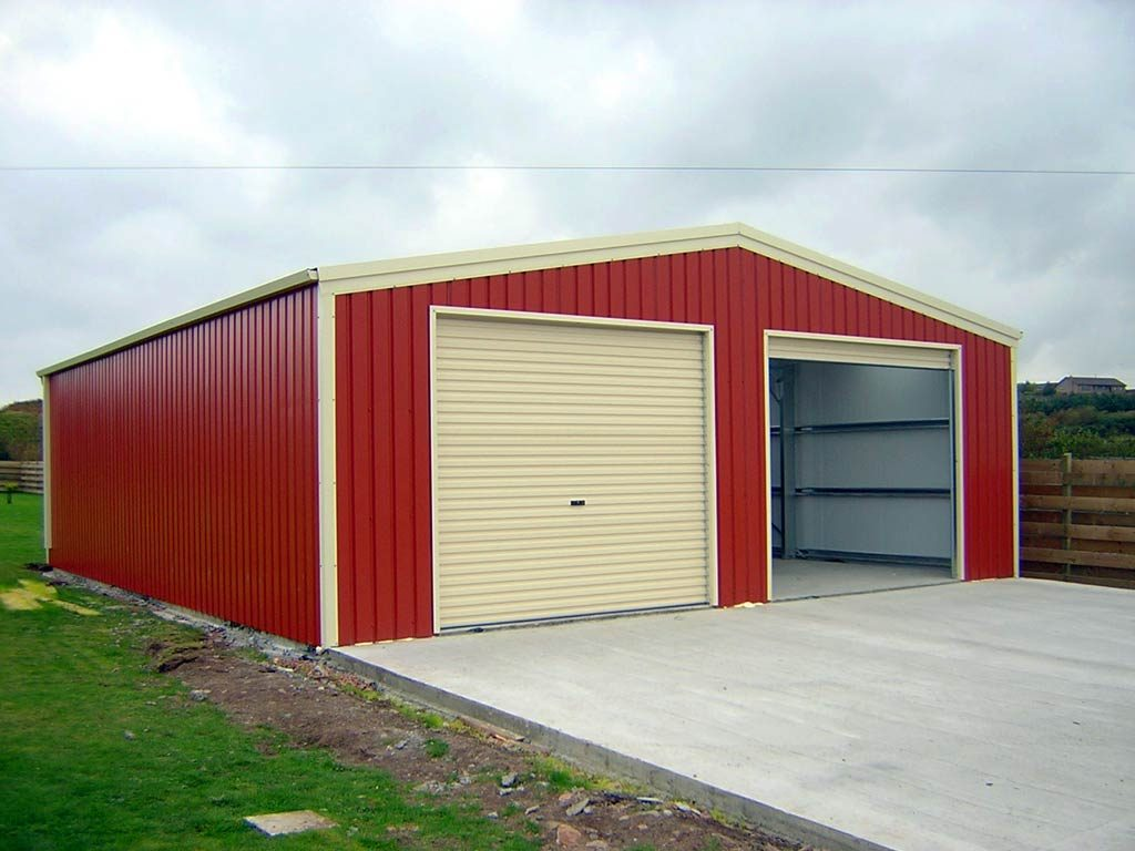 At P R C Steel Buildings we have been erecting steel agricultural buildings for years across Lincolnshire. We know that it is important for you to make sure that your pigs, sheep and cows are kept safe.